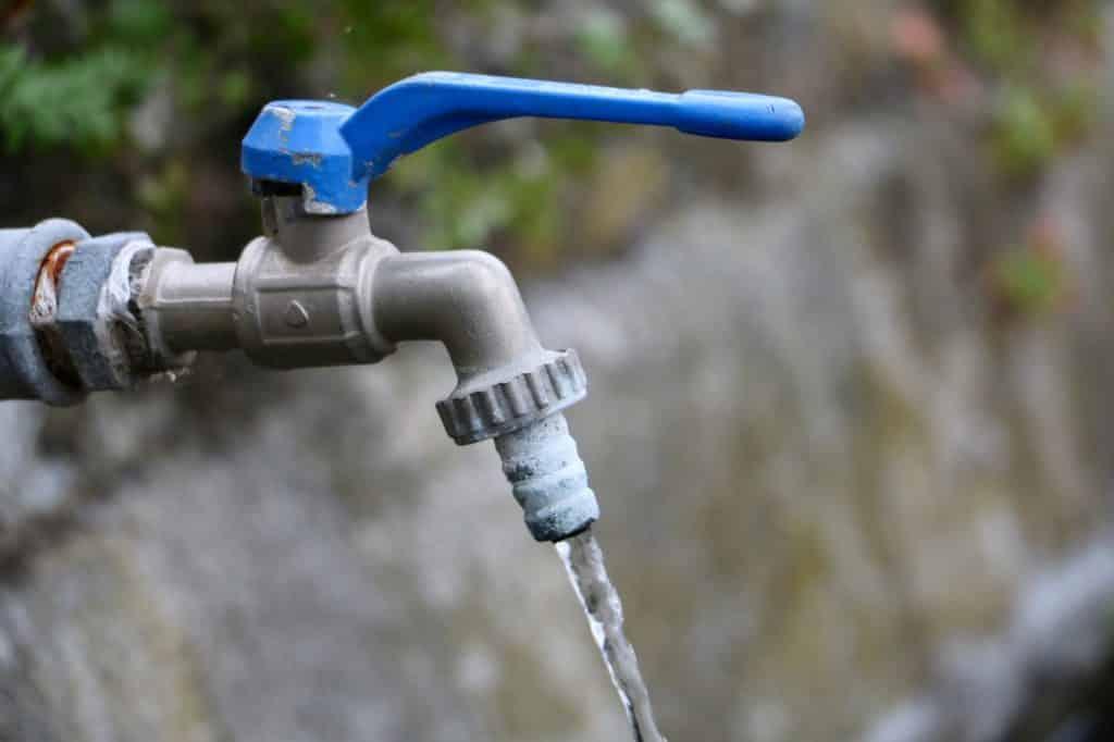robinet de jardin eau propre